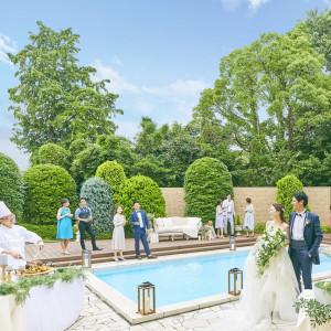 ウッドデッキのプール付ガーデンも、ゲストの心を癒してくれるスペース アーカンジェル迎賓館 天神の写真(3589269)