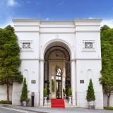 アーククラブ迎賓館の入り口!悠然とそびえ立つ凱旋門