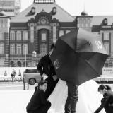 挙式前のフォトロケーション、東京駅にて撮影