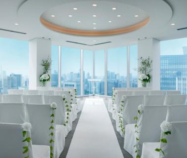 都心を一望できる地上31階スカイチャペル