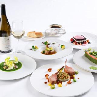 ホテル内の人気レストラン「桂姫」のランチコース(2,700円相当)を無料ご招待♪