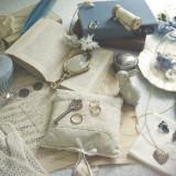 思い出がいっぱいの昔の写真に、大切な手紙。 幼い頃、宝物入れにしてたあの外国の小箱。