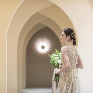 【気品溢れる大人花嫁に】新作ドレス試着で憧れの花嫁体験フェア