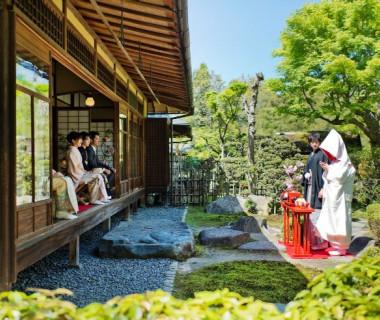 桜鶴苑オリジナル庭園人前式~桜祝言~