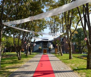 ガーデン並木道でお二人らしい結婚式を♪