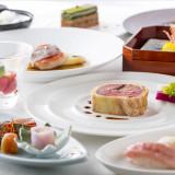 おもてなしのお料理は和洋折衷と洋食をご用意しています