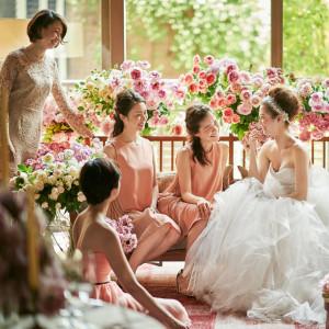 【憧れのドレスで花嫁体験♪】トリートのドレス見学×豪華試食