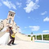 【先輩カップルレポート】 チャペルの大階段からは広い空が広がる ふたりらしいテーマで結婚式をコーディネートしよう