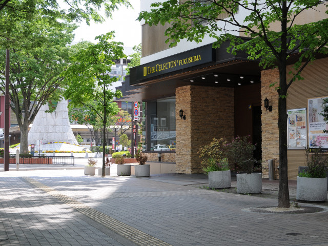 福島駅西口より【徒歩1分】の好アクセス!