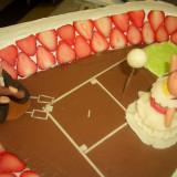 お二人の趣味や共通点に合わせてオリジナルのケーキを作成致します。直接パティシエとの打ち合わせもできます。
