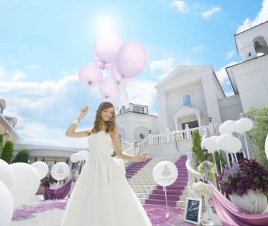 女性の憧れの大階段!!挙式後こちらの大階段に御新郎御新婦様はご登場されます。