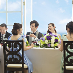最大で155名まで着席できるので、ボリュームのあるドレス姿でも◎|ベイサイド迎賓館(長崎)の写真(1261608)