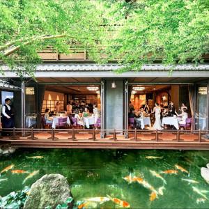 1F「ザ・ダイニング・ルーム」は開放的なテラスがあり、眼の前に中庭の緑が広がる非日常の世界。|THE KAWABUN NAGOYA(ザ・カワブン・ナゴヤ)の写真(3636171)