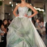 グラッツィアがデザインしたオリジナルドレス