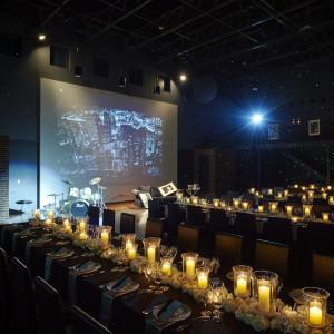 NYのSOHOのギャラリーをイメージした会場「クラブ・シエル・デ・トワール」モードなデザインのドレスがより映えそうだ ヴィラ・デ・マリアージュさいたまの写真(1048081)