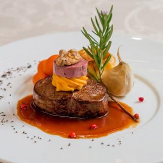 <限定2組>【お料理重視の方へ】贅沢フルコース試食×貸切ホテル見学
