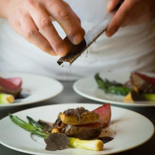 シェフのスペシャリテを堪能!前菜・スープ・オマール海老・牛フィレの豪華フルコース無料試食