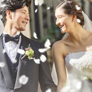 ゲストからの盛大な祝福を受けて、幸せな気持ちも最高潮になります アクアテラス迎賓館(新横浜)の写真(4331258)
