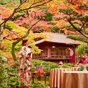 敷地内には本格的な日本庭園も。現実世界とは思えないほどの色彩豊かな庭園を独り占め 神戸迎賓館 旧西尾邸の写真(1420292)