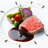 食材からこだわり、 匠の目で選び抜いた厳選食材でもてなす 完全創作フレンチジャポネ