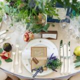 テーブルクロスや装花などふたりの好みにアレンジが可能。憧れの会場で、プライベートパーティを
