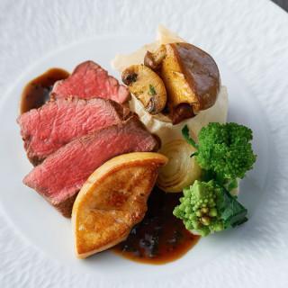 【必見*料理試食】A5ランク和牛や鮮魚のパイ包みなど人気のメニューをフルコースで試食!