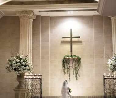 柔らかな光に包まれた大聖堂  まるで映画のワンシーンのよう