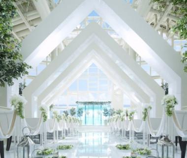 光輝くチャペルでゲストの心に残る結婚式をしよう
