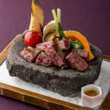 温かい料理は温かいうちに、冷たい料理は冷たいうちに。旬と瞬にこだわる理由。