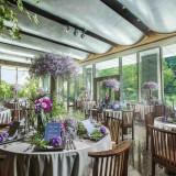 どの席からも庭園を臨める開放的な空間はゲストの心を和ませてくれる