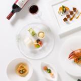 ヴィラ・グランディスの料理は全てシェフと打合せをして創るオリジナルコース。フレンチ、イタリアン、和洋折衷からお選び頂くこともできます。