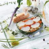 手長海老と季節野菜のテリーヌ 人参のムース添え キャビアと烏賊のタルタルと一緒に