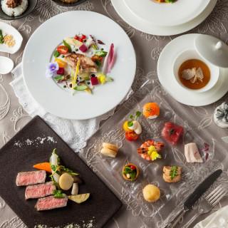 【来館特典】1鮑や和牛ステーキの贅沢試食2.エステ無料体験3.プロカメラマンによる記念写真撮影
