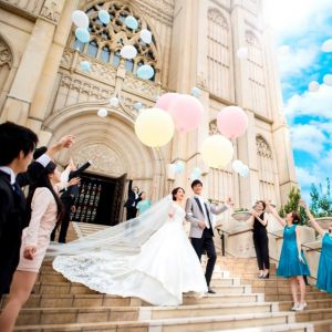 ドレス1着無料付き★トレンドDRESS試着×憧れの大聖堂で感動挙式体験