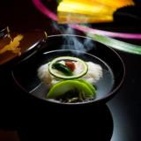 日本料理のメインディッシュ、お椀物。