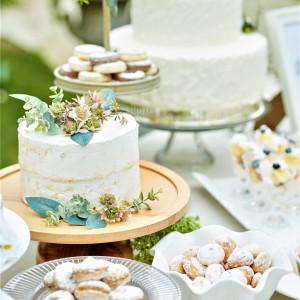 フェリスクレールで作るパティシエ特製のウェディングケーキ。おふたりの希望をお聞きしながら、そのこだわりを表現します。|felizcreer(フェリスクレール)の写真(2929129)