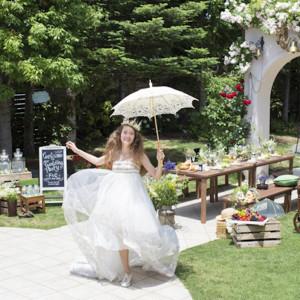 ガーデンではブッフェスタイルのパーティー演出も可能!おふたりらしいテイストに合わせてコーディネートをご提案させていただきます。|felizcreer(フェリスクレール)の写真(928555)