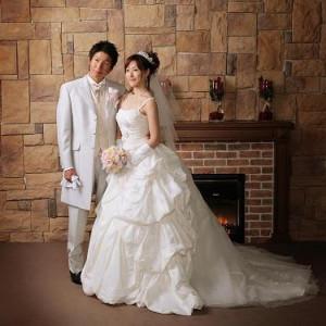 プランシェ浦和 一番人気のレンガ背景☆|小さな結婚式 浦和店の写真(227429)