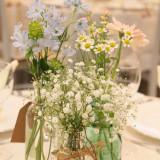 #装花 #ゲストテーブル #コーディネイト #グリーン #かすみ草 #小花 #ナチュラル #宮城 #ファウンテンヒルズ仙台