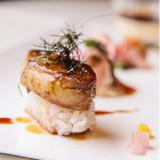 人気の『フォアグラのソテーお寿司仕立て』婚礼試食プレゼント