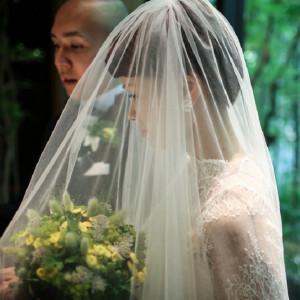 ベールに包まれて、ふたりの人生のスタートを迎える|藤屋御本陣(THE FUJIYA GOHONJIN)の写真(1162994)