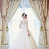 花嫁の憧れ、ウェディングドレスも多数の中から最高をチョイス