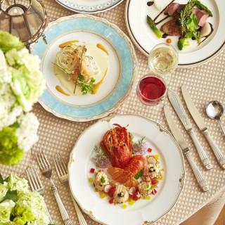 【人気No,1】実際の婚礼料理を贅沢にフルコースで試食!