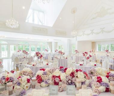 白を基調としたフランス館の部屋に足を踏み入れれば優美な空間に包まれ、まるでプリンセスになったよう。