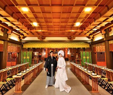 ザ・グランユアーズフクイに隣接する「佐佳枝廼社」。約400年の歴史を誇る。厳粛な雰囲気の中で行う本格挙式。