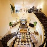 1階~2階まで贅沢に貸し切れる待合ロビー