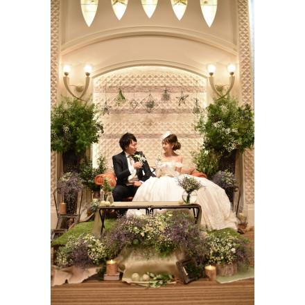 メインソファでアットホームウェディング 結婚式 二次会のgood演出bad