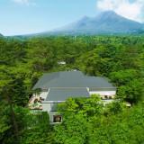 【樹齢150年の美しい森】自然に包まれ、四季おりおりの軽井沢が楽しめる!