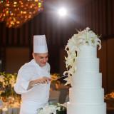 ペストリーシェフがおふたりのご希望を伺い作り上げるオリジナルウェディングケーキ