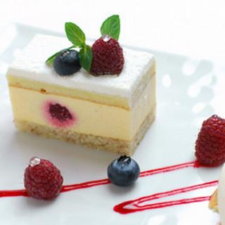 【光の入る午前中が人気】特製デザート試食付ブライダルフェア